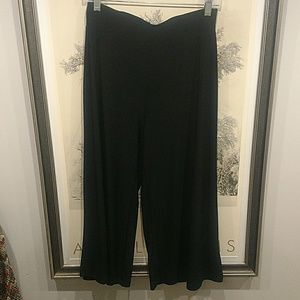Susan Lawrence Pants - Medium Susan Lawrence Crop Wide Leg Pants